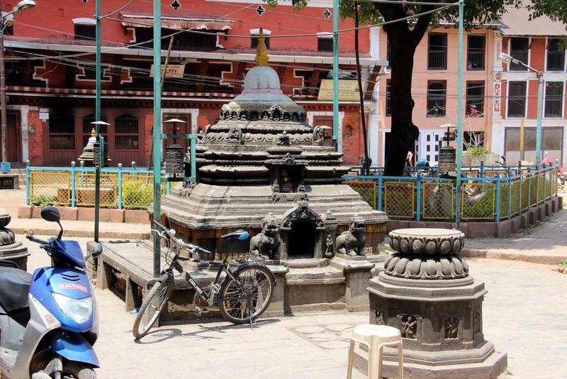 Одна из тысяч ступ Катманду