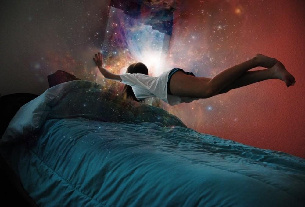 Эти необычные вещи происходят с нашим телом во сне