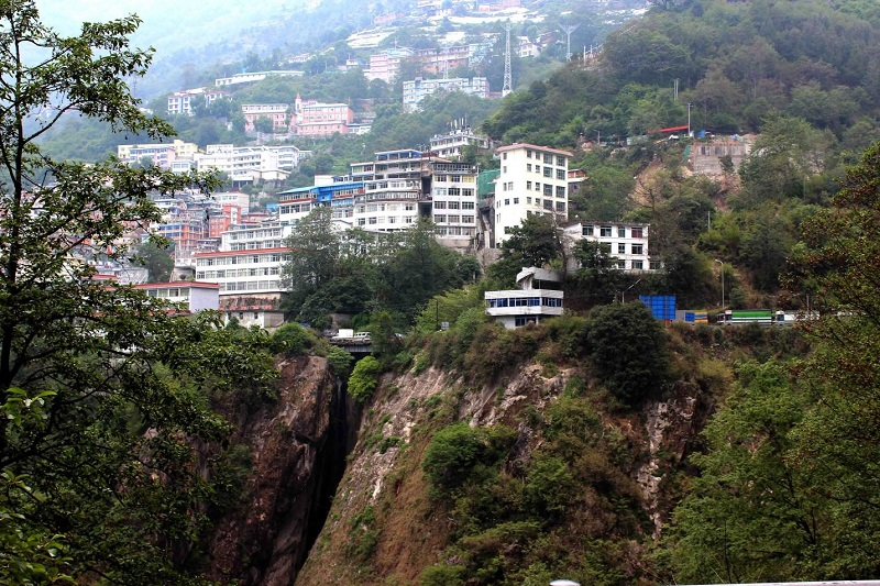 Приграничный с Непалом городок Жангму